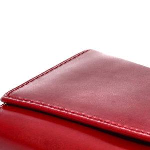 czerwona skóra na portfele