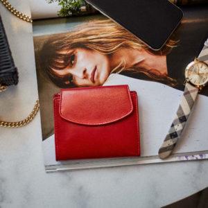 czerwony portfel damski mały