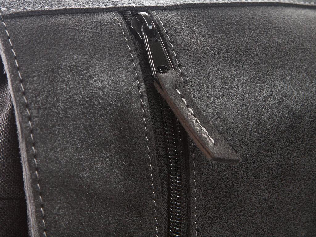 72d3b8a0159c6 torba na ramię. torba męska listonoszka. torba męska czarna. torba męska.  czarna skóra naturalna. skóra impregnowana